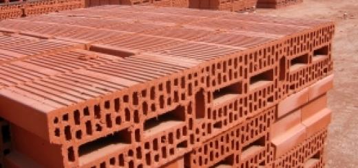 pustaki i materiały budowlane